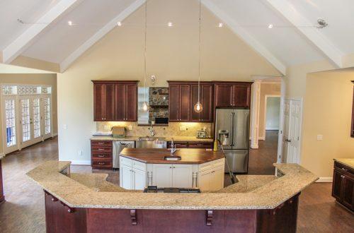 Winslow Homes custom kitchen thompson