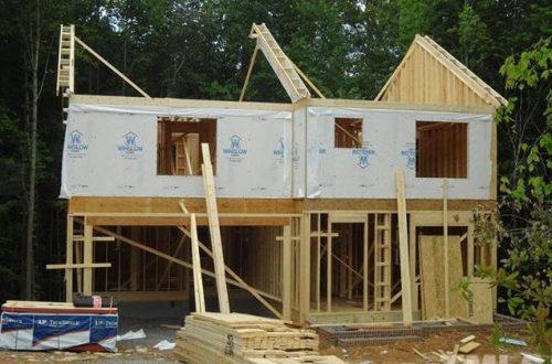 2134 Emerald Lane house being built
